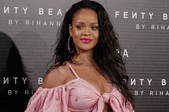 'Rihanna'dan tarihi rest! Trump'a karşı çıktı!