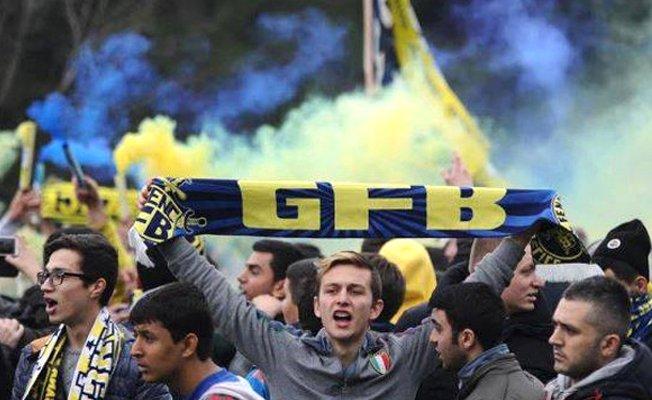 Fenerbahçeli taraftarlardan futbolculara büyük şok!