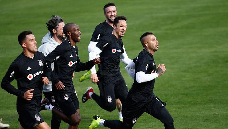 'Beşiktaş'ta temizlik başlıyor! 4 yıldız isim gönderiliyor!