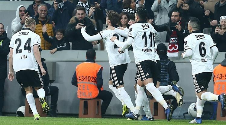 <h2>Beşiktaş'tan Galatasarya'a transfer! Haber yolladı  </h2>