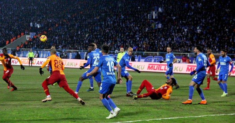 <h2>Galatasaray'da transfer sürprizi! Herkes bunu konuşuyor </h2>