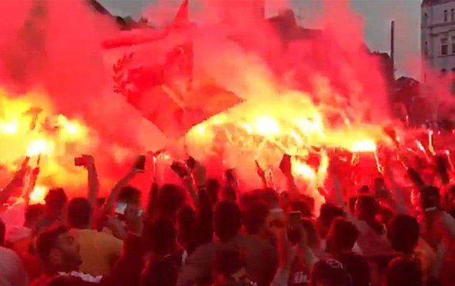 <h2>Galatasaray'dan Fenerbahçe ve Beşiktaş'a tarihi fark! 400 milyon...</h2>