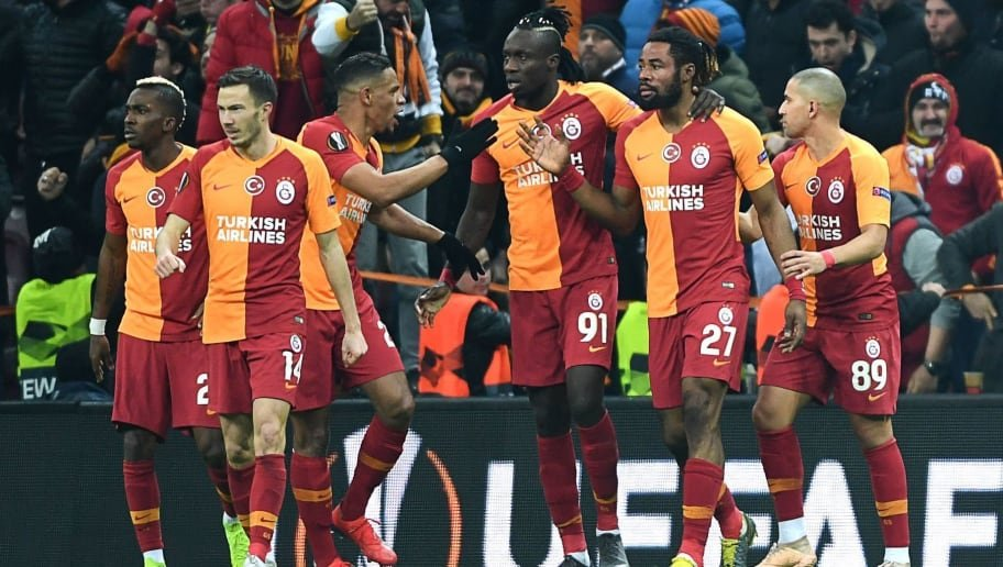 <h2>Galatasaray'dan Fenerbahçe ve Beşiktaş'a yılın transfer çalımı </h2>
