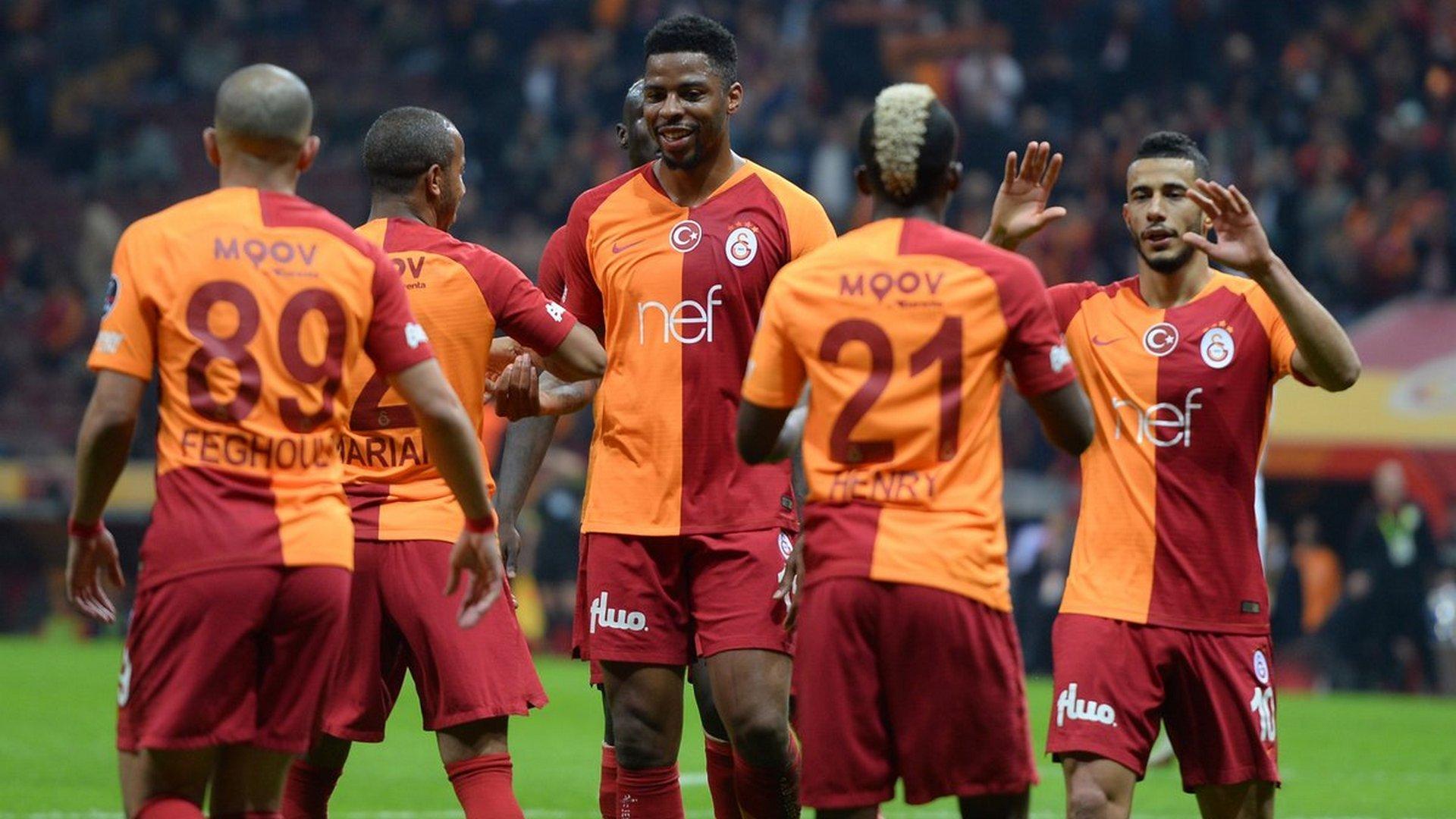 'Galatasaraylı futbolcuya şok! Polis peşini bırakmadı