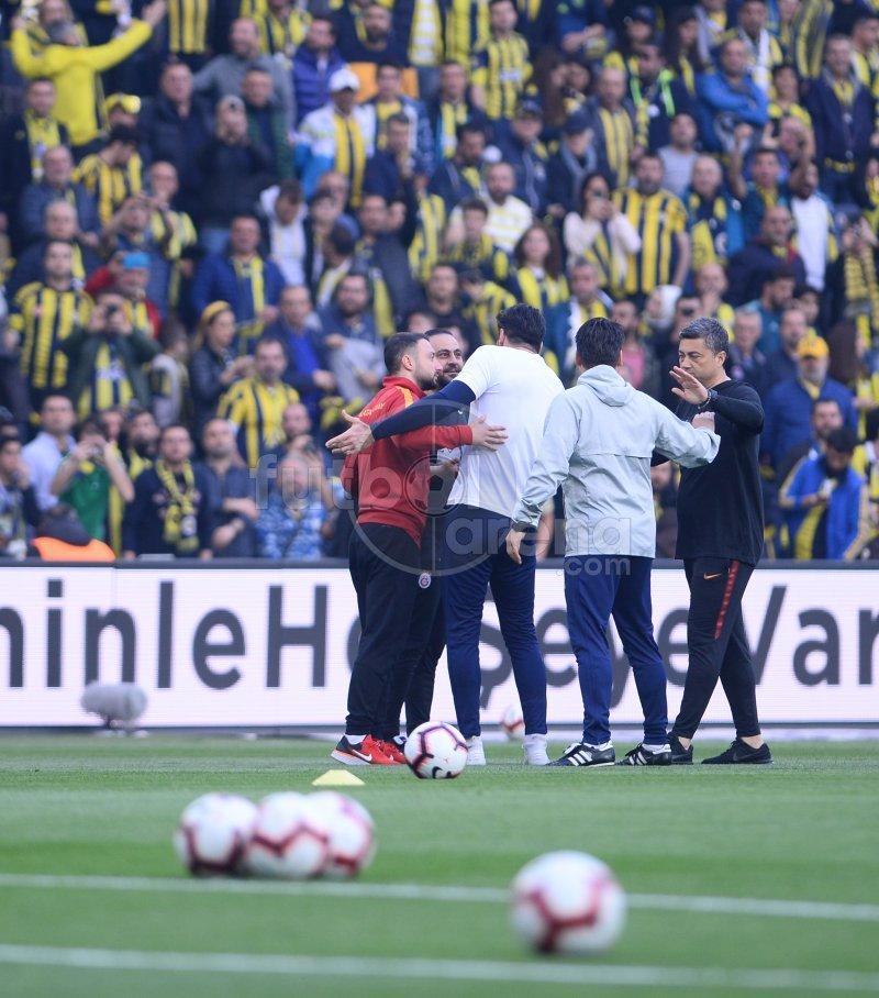 'Derbi öncesi Hasan Şaş ile Volkan Demirel arasında olay çıktı!