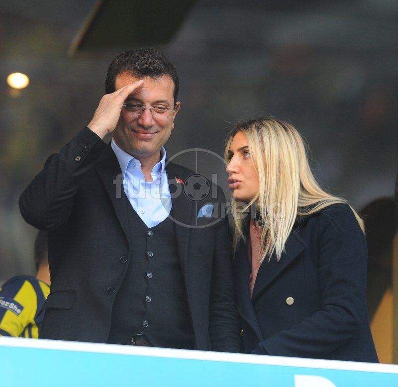 'Ekrem İmamoğlu, Fenerbahçe - Galatasaray derbisinde ilgi odağı oldu