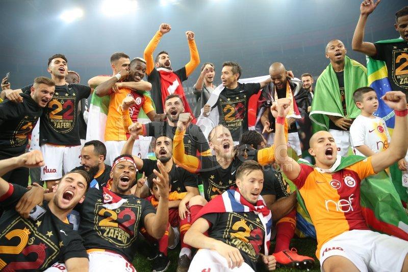 Spor yazarları Galatasaray'ın şampiyonluğu için neler dedi?