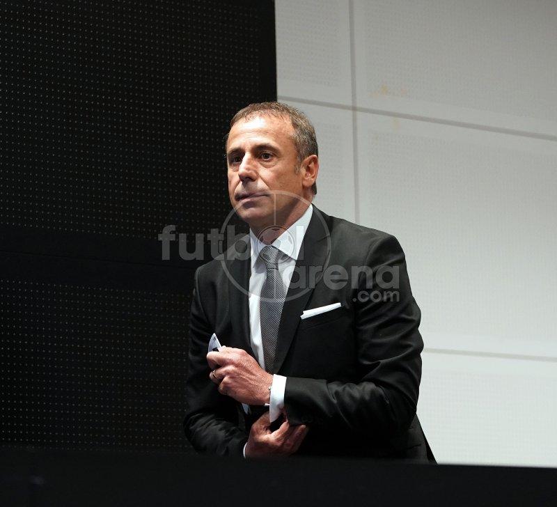'FutbolArena, Abdullah Avcı'nın basın toplantısında