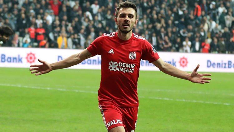 <h2>Beşiktaş Emre Kılınç'ı transfer ediyor</h2>