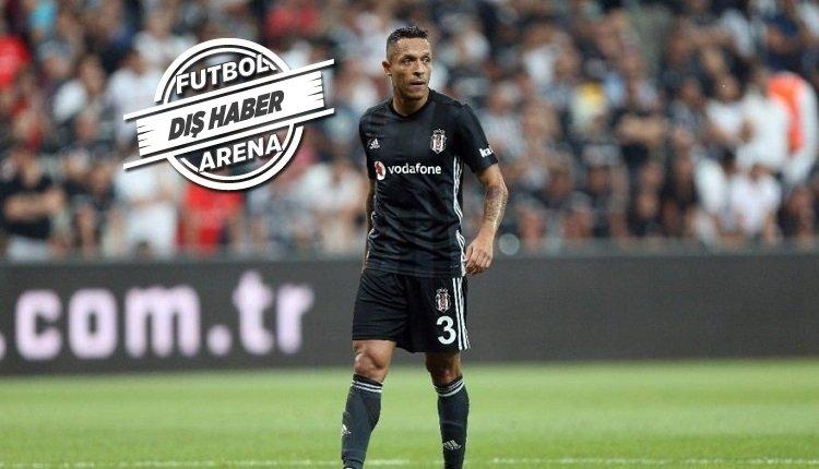 <h2>Adriano Beşiktaş'tan ayrıldı mı?</h2>