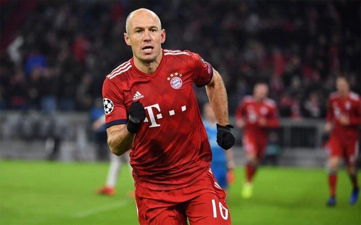 <h2>Beşiktaş'ın transfer gözdesi Robben'den şok karar</h2>