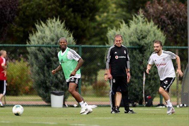 <h2>Beşiktaş'tan sol bek transferş</h2>
