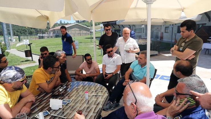 <h2>Ersun Yanal, medya mensuplarıyla görüştü</h2>