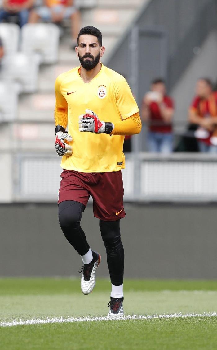 <h2>İsmail Çipe'ye Galatasaray taraftarından tepki</h2>