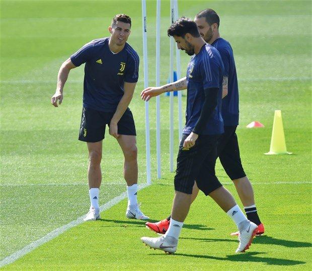 <h2>Khedira, Fenerbahçe'ye transfer olacak mı?</h2>