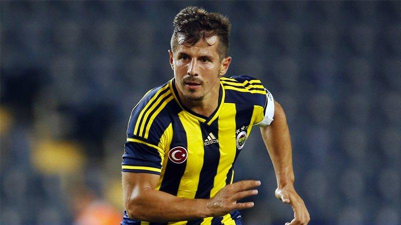 <h2>Emre Belözoğlu'dan Fenerbahçe ve şampiyonluk iddiası</h2>