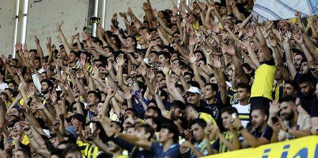 <h2>Fenerbahçeli taraftarların protesto ettiği iki futbolcu</h2>