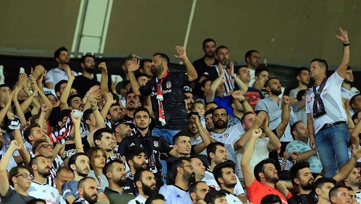 <h2>Beşiktaş'ta Fikret Orman'a protesto</h2>