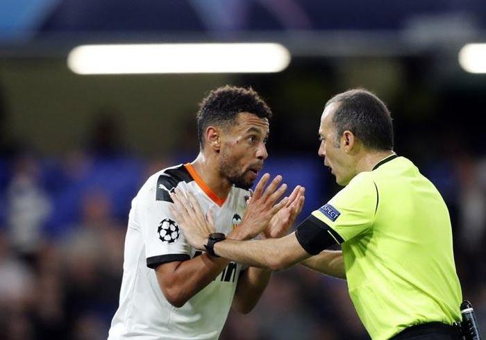 <h2>Cüneyt Çakır Chelsea-Valencia maçını nasıl yönetti?</h2>