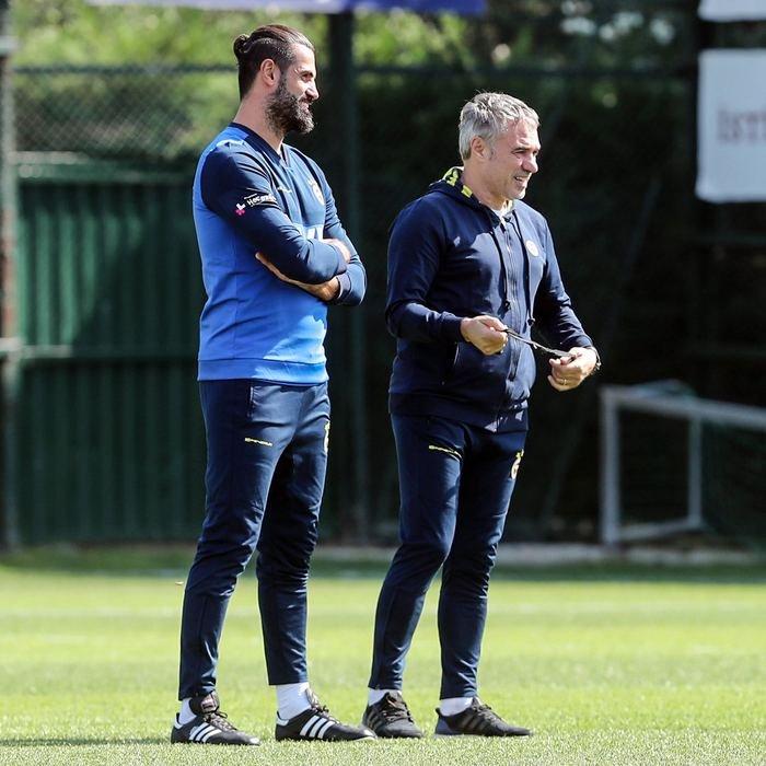 <h2>Fenerbahçe'nin bekleri kimler olacak?</h2>
