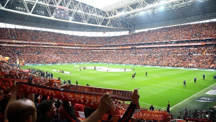 <h2>Galatasaray imza töreni saat kaçta?</h2>