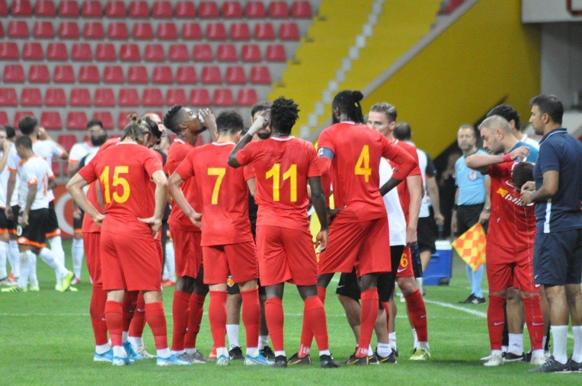 <h2>Kayserispor: 14.992</h2>