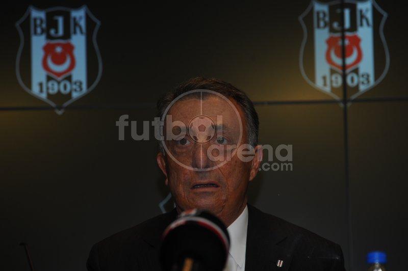 'FutbolArena, Ahmet Nur Çebi'nin basın toplantısında