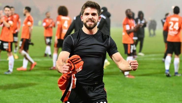 <h2>Beşiktaş'a Jimmy Cabot transferinde rakip çıktı</h2>