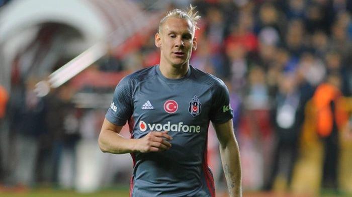 <h2>Beşiktaş'ta yıldız futbolcu maaş indirimi kabul etti!</h2>