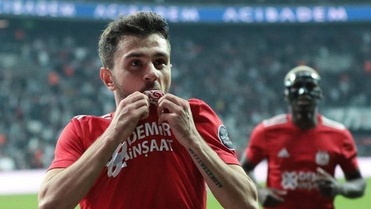 <h2>Emre Kılınç Beşiktaş ve Fenerbahçe'yi reddetti!</h2>