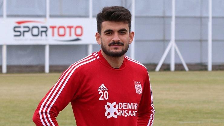 <h2>Fatih Aksoy'un gözü formada</h2>
