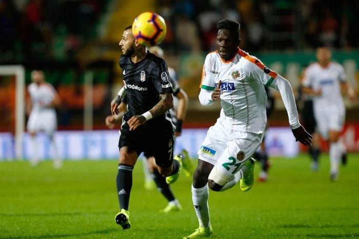 <h2>Fenerbahçe'den Beşiktaş'a transfer şoku!</h2>