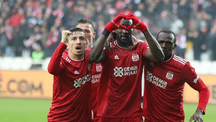 <h2>Galatasaray Mert Hakan ve Emre Kılınç'tan sonra bir Sivassporlu daha istiyor</h2>