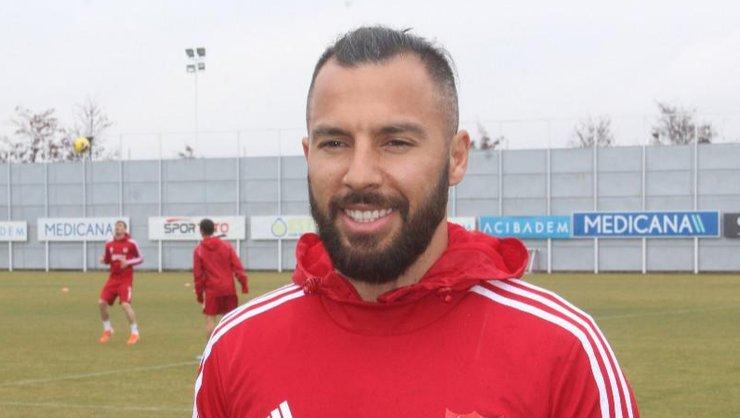 <h2>Yasin Öztekin, Fenerbahçe ve Beşiktaş'tan teklif aldığını açıkladı</h2>