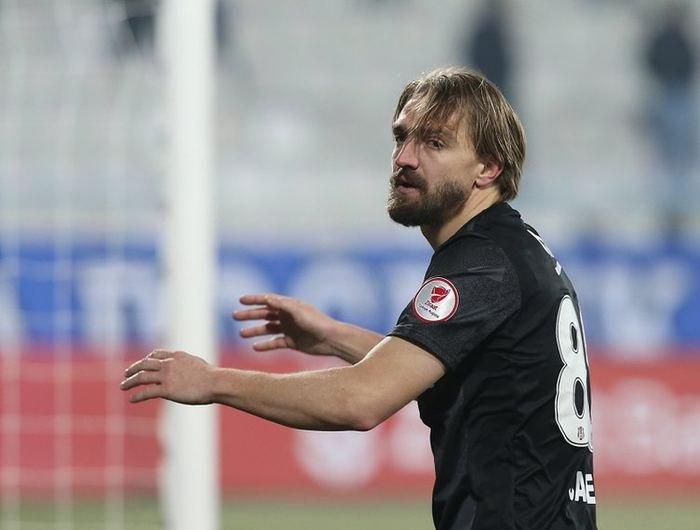 <h2>Yılın transfer bombası patlıyor! Galatasaray...</h2>