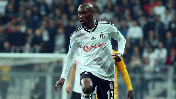 <h2>Beşiktaş'ta flaş gelişme! Atiba ile yollar ayrılıyor</h2>