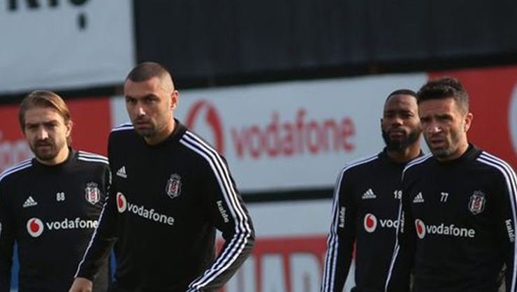<h2>Beşiktaş'ta flaş gelişme! Borçlar ödendi..</h2>