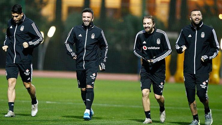 <h2>Beşiktaş'ta sözleşme görüşmeleri ertelendi</h2>