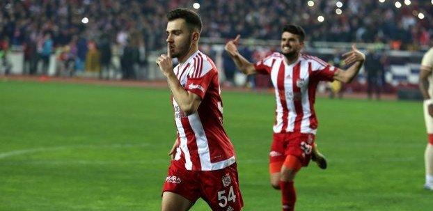 <h2>Emre Kılınç'tan Galatasaray'a Onyekuru şartı</h2>