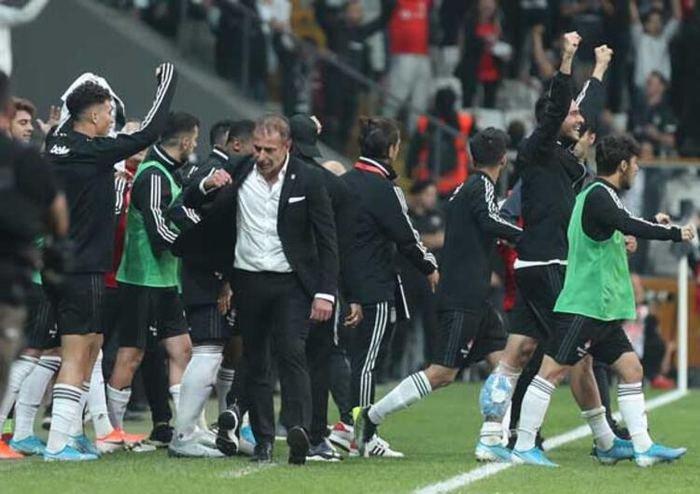 <h2>Fenerbahçe'de Abdullah Avcı yeniden gündemde!</h2>