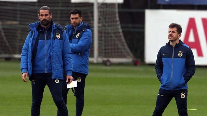 <h2>Fenerbahçe'de futbolcuların teknik direktör isteği belli oldu!</h2>