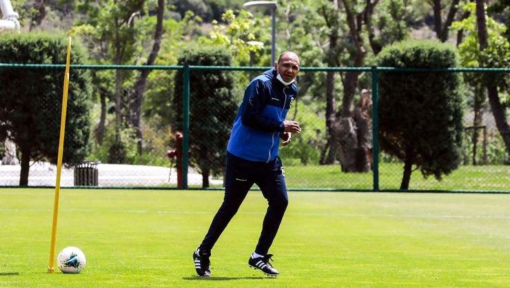 <h2>Fenerbahçe'den son dakika Aurelio kararı!</h2>