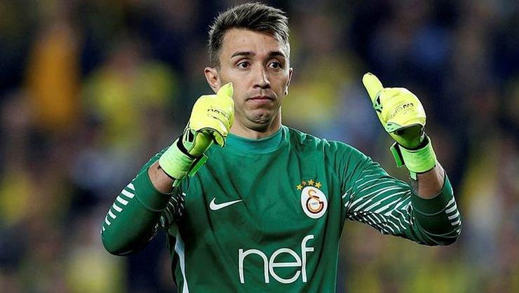 <h2>Galatasaray'da Muslera gözünü Fenerbahçe'nin rekoruna dikti!</h2>