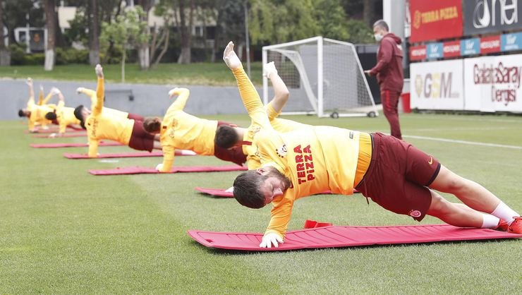 <h2>Galatasaray'ı kurtarma paketi!</h2>