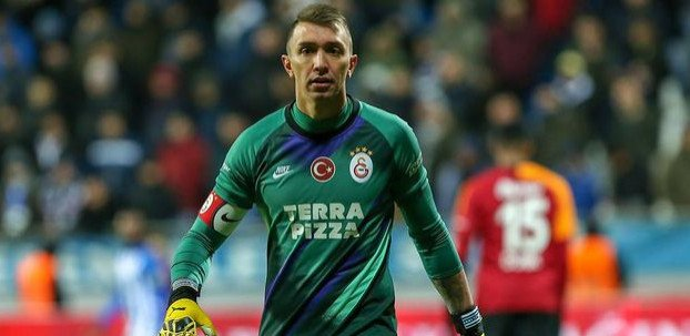 <h2>Galatasaraylı Muslera'ya Arjantin'den yeni teklif</h2>