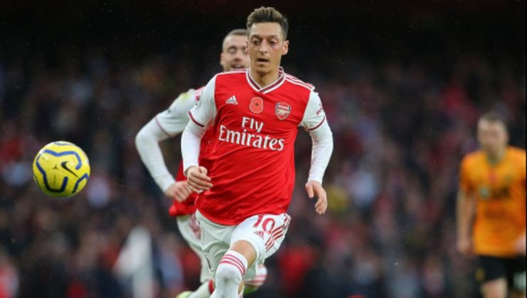 <h2>Mesut Özil'in menajerinden transfer açıklaması</h2>