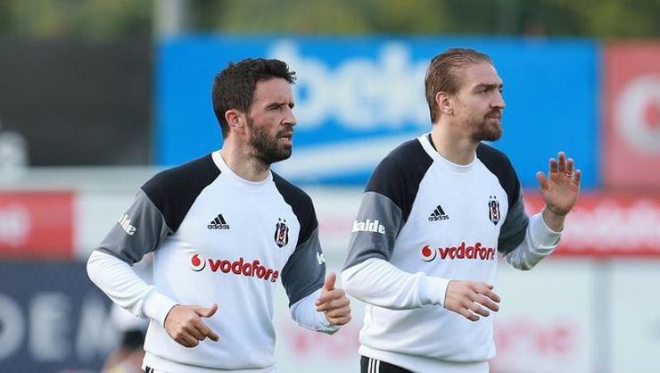 <h2>Son Dakika | Beşiktaş'ta Gökhan Gönül ve Caner Erkin kararı sezon sonuna bırakıldı!</h2>