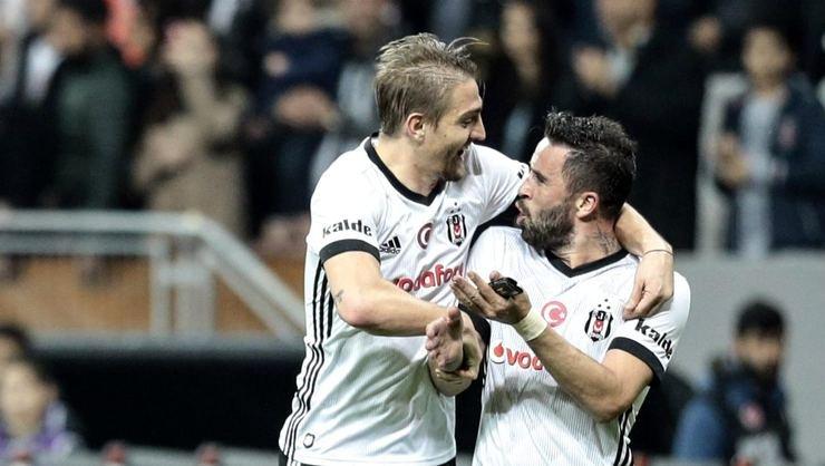 <h2>Son Dakika | Gökhan Gönül, Fenerbahçe'ye dönüyor</h2>
