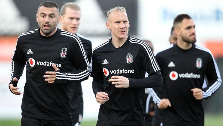 <h2>Vida Beşiktaş'ta kalacak mı? Menajeri açıkladı</h2>
