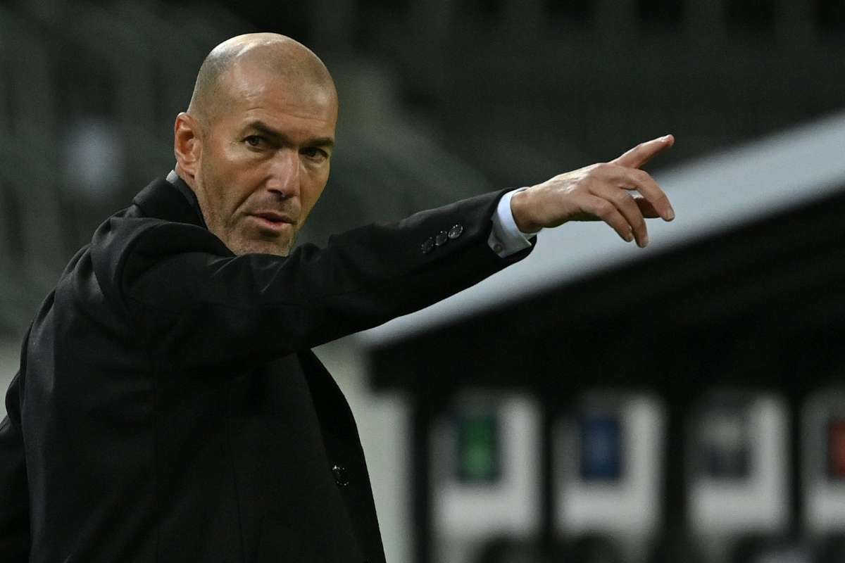 <h2>9. Zinedine Zidane ( Real Madrid )</h2>